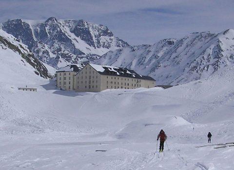 Ski mountaineering: technical level 4
